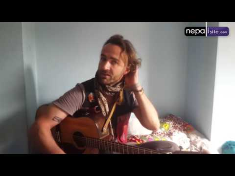 Interview with street musician Alexander Slocombe in Nepal